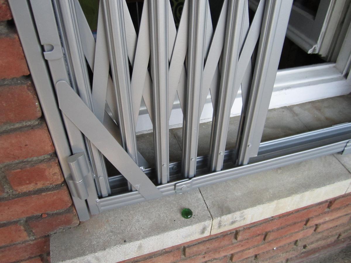 Puertas de hierro baratas cool puertas y ventanas with for Precio puertas baratas