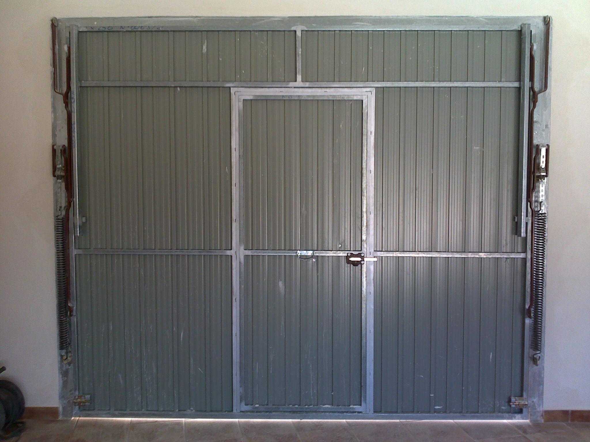 Puertas de chapa galvanizada puerta para stano bodega - Puerta chapa galvanizada ...