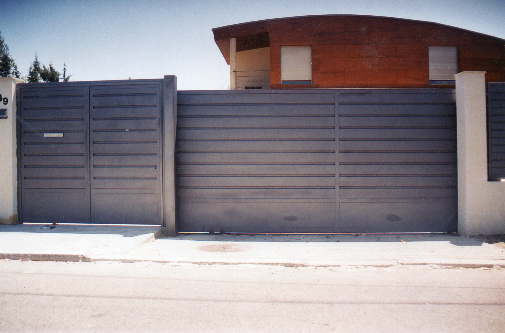 Puertas automaticas para garage car interior design for Puertas de aluminio